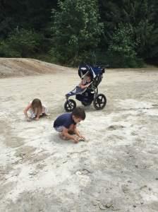 26-backyard-kiddos